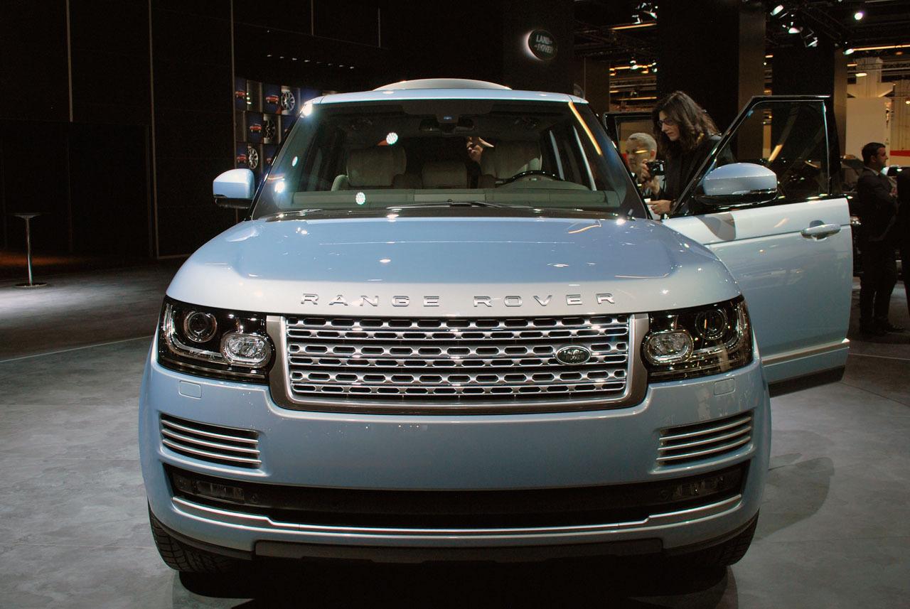 automotiveblogz 2014 land rover range rover hybrid. Black Bedroom Furniture Sets. Home Design Ideas
