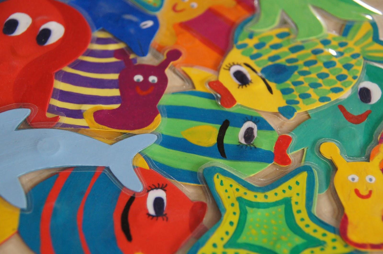 Namensschilder Aus Holz FUr Kinderzimmer ~   aus Du brauchst für jeden fertigen Fisch 2 kongruente Papierfische
