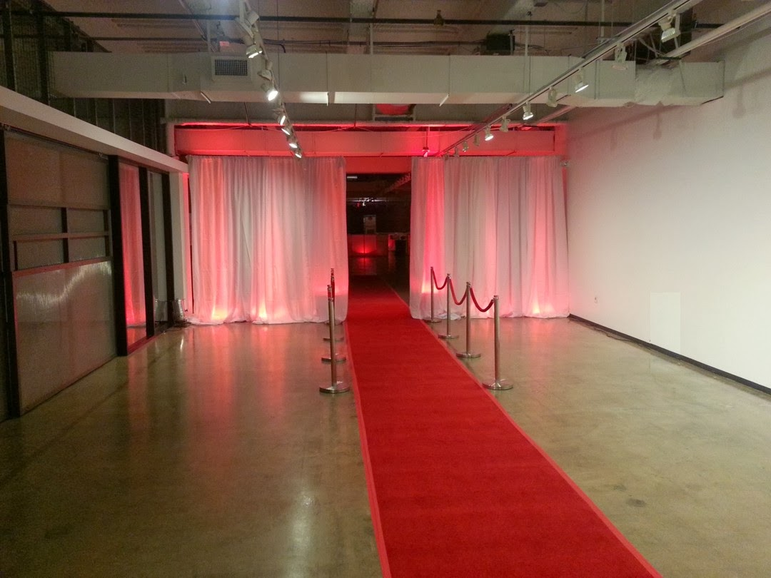 Fashion industry gallery - It S A Dallas Light And Sound Red Carpet Entry For Red Party 2013