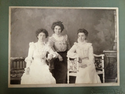 Olive Tree Genealogy Blog: Hooper-Squires Photo Archives Treasure No. 8