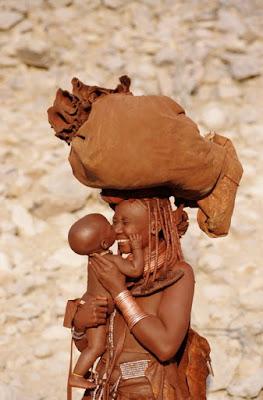 (http://wabbblalogia.wordpress.com/2013/10/03/existe-una-tribu-en-africa/)