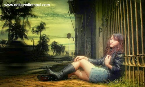 Dewi salma dengan background sunset
