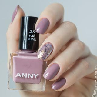 Anny #222 Rush Bunny + Sally Hansen #706 Glitter Bomb