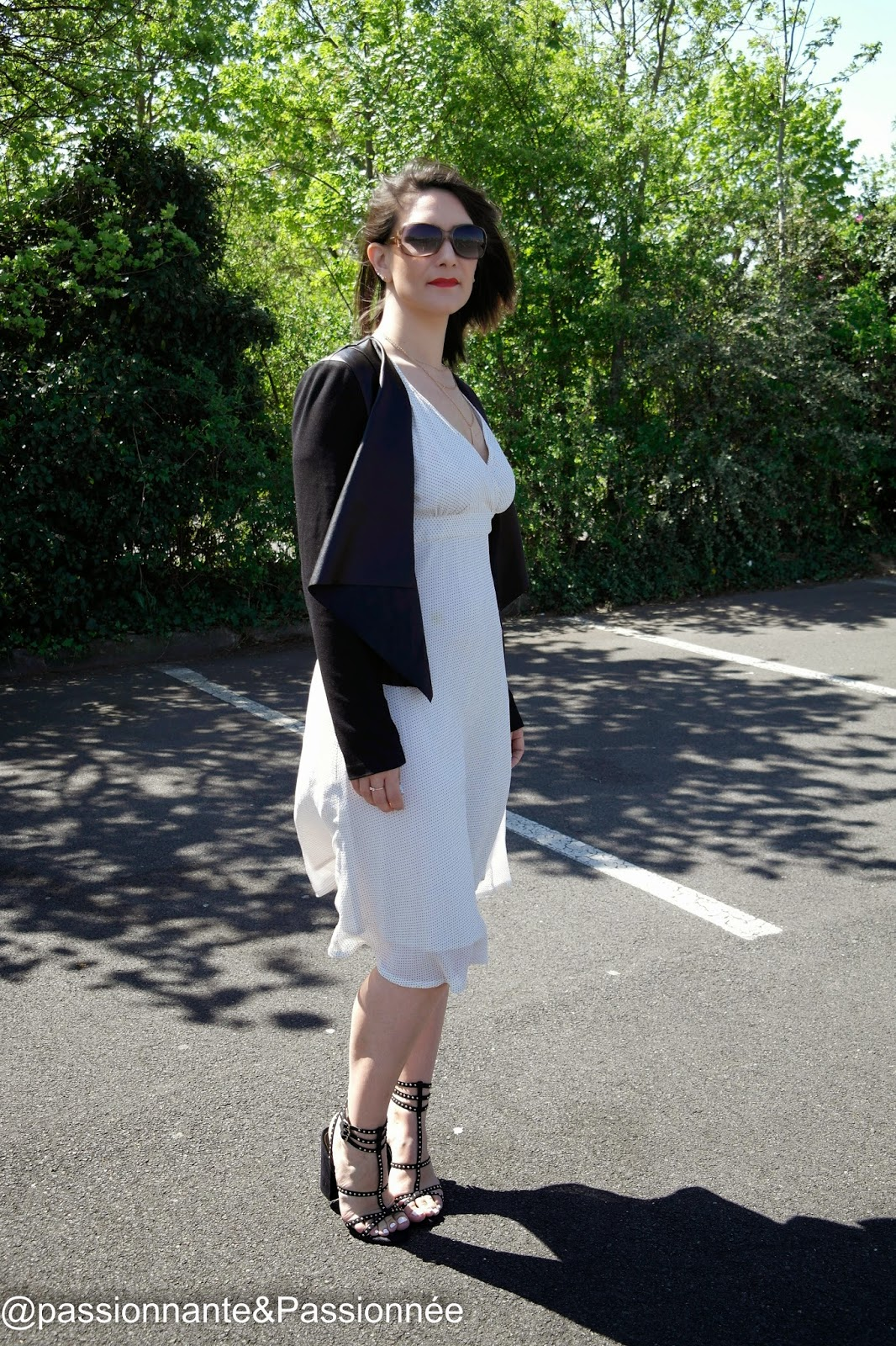 Comment porter la robe mi-longue