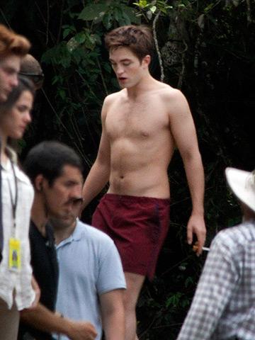 Robert Pattinson Popsugar on Robert Pattinson Incluido En La Lista De Chicos Sin Camiseta Deseados
