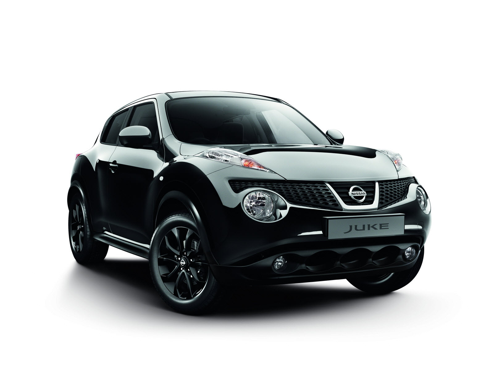Nissan launched juke kuro limited edition auto car for Nissan juke automatik