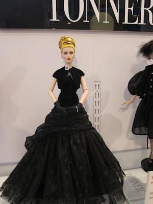 Tonner-Noir-Doll