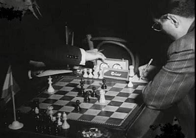 Abandono de Araujo en la partida de ajedrez Araújo-Trias del Torneo Triangular Internacional Madrid - Lisboa - Barcelona