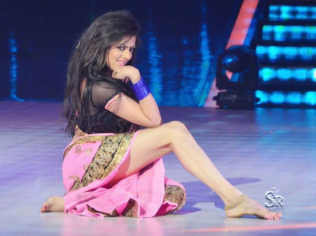 Drashti dhami in Jhalak as Halkat Jawani