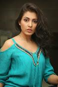 Madhu shalini new glamorous photos-thumbnail-17