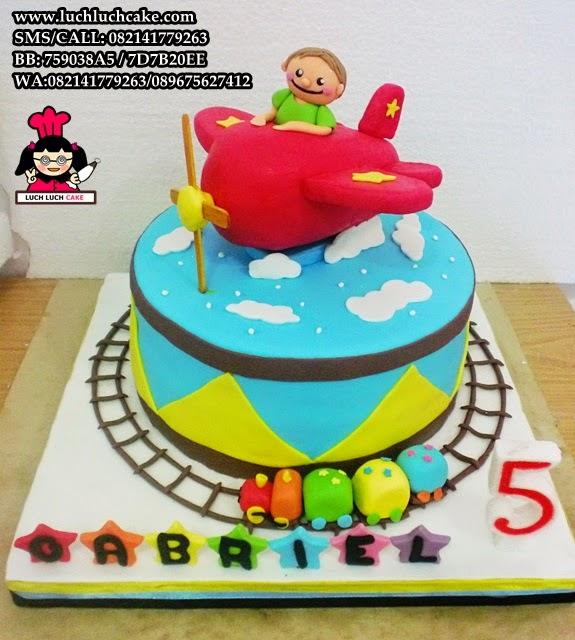 Kue Tart Fondant Tema Pesawat Daerah Surabaya - Sidoarjo