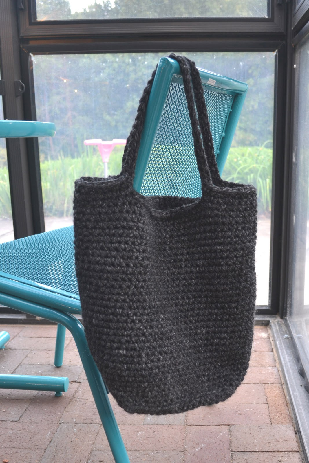 Crochet in Color: Chunky Crocheted Tote