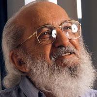 """"""" NÃO SE PODE FAZER EDUCAÇÃO SEM AMOR,"""" Paulo Freire"""