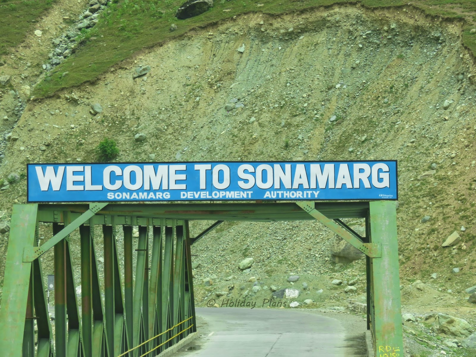 Sonamarg Entrance