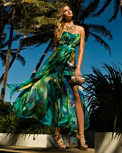 Miss ivy in a tropical paradise with forever new this summer for Robes pour mariage tropical