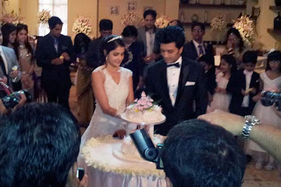 images of riteish deshmukh and genelia dsouza's wedding cake photos