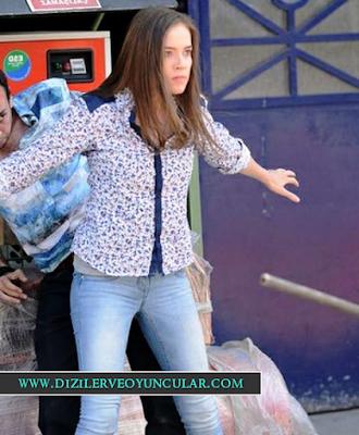 Yaz'ın Öyküsü Yaz desenli gömlek ve buz mavisi jean pantolon