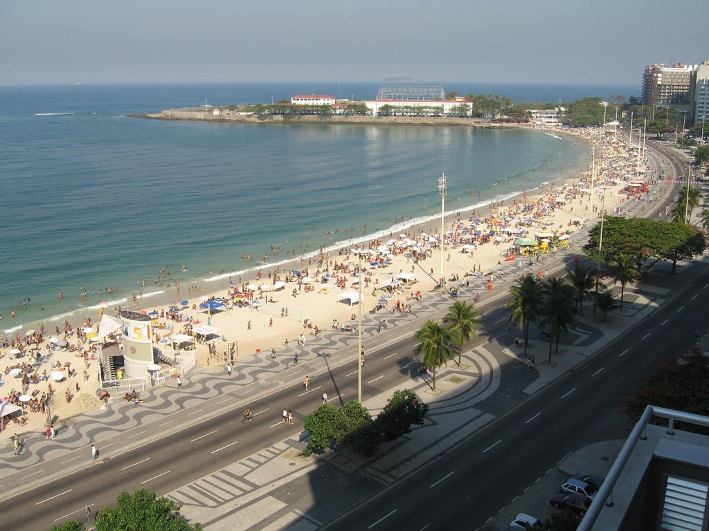 http://3.bp.blogspot.com/-XLwwvUcj51A/TzZt9jilMZI/AAAAAAAAFBE/Nxj38H8omBA/s1600/Copacabana-Beach.jpg
