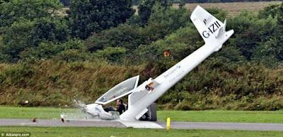 pesawat terhempas