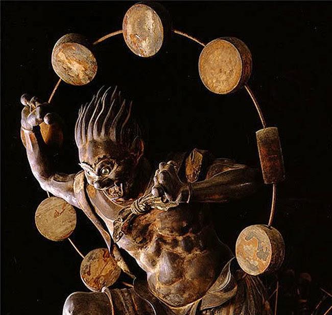 raijin statue
