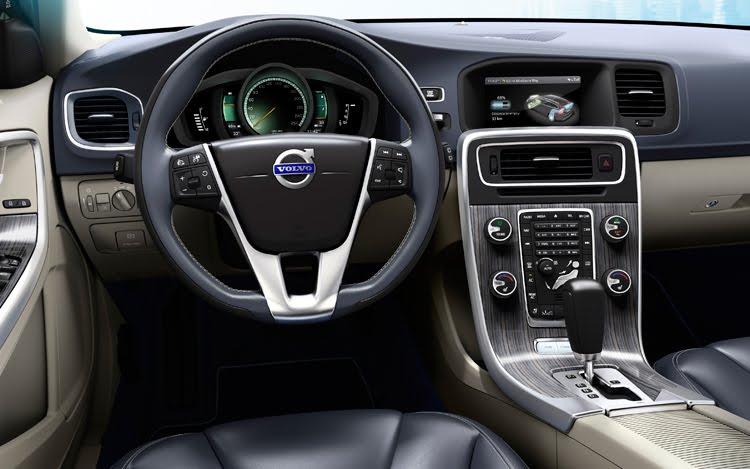 Volvo V60 Wagon 2012 cockpit