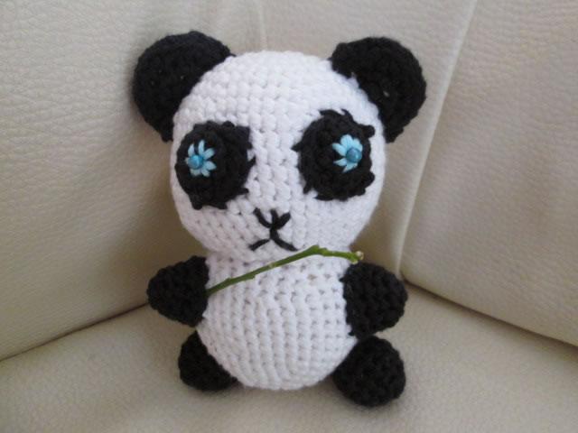 Les tutos de fadinou nino le panda amigurumi - Animaux en tricot facile ...