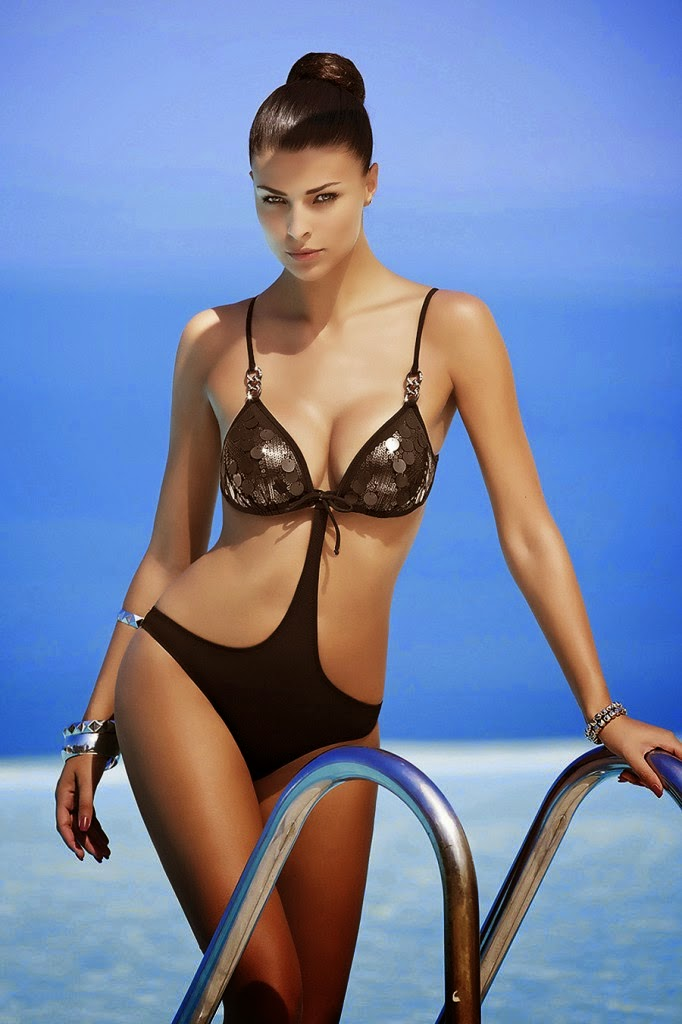 Bikini Perfection Cristina Chiabotto