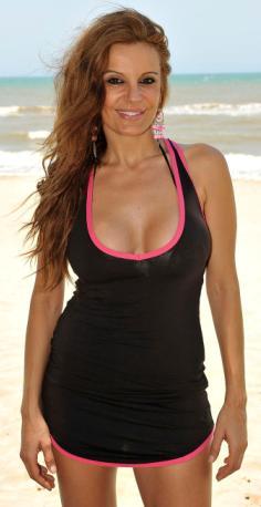 Sonia Monroy en la playa