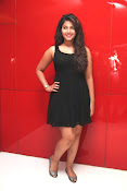 anjali sizzling photos in black-thumbnail-5
