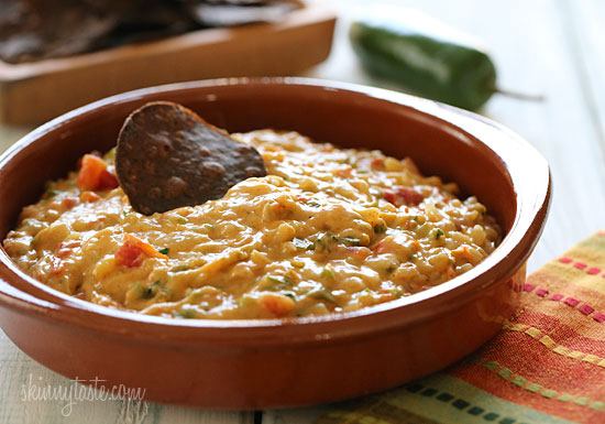 SKINNY QUESO DIP?? YES YOU CAN!! | Desire 2 change Blog!