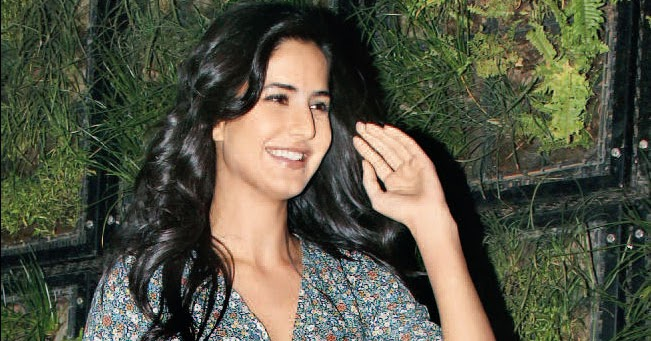 desi masala place katrina kaif in dhoom 3 but wont wear