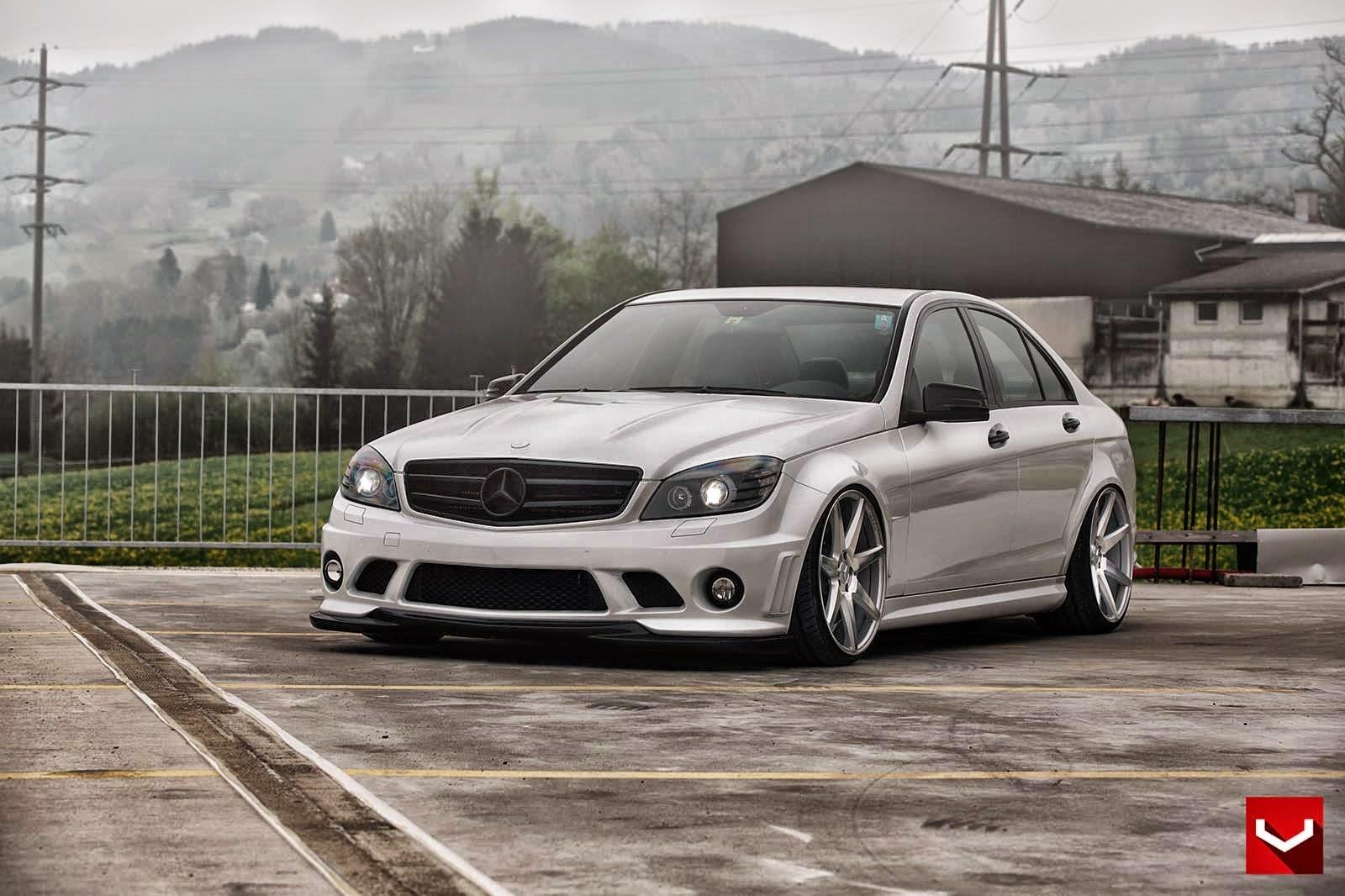 Mercedes benz w204 on vossen cv7 wheels benztuning for Mercedes benz rim