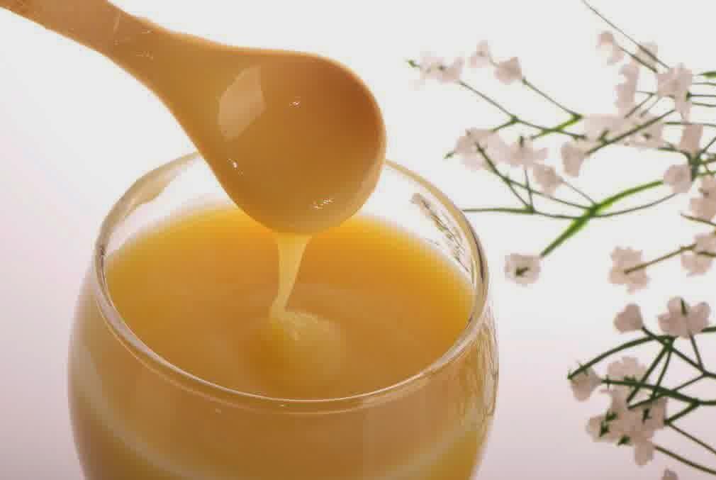 Khasiat Luar Biasa Royal Jelly Untuk Kecantikan