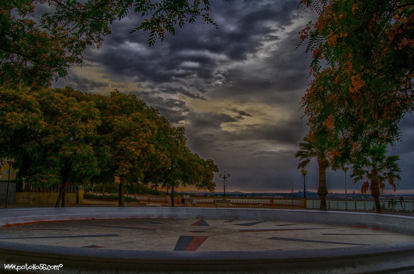 Plaza del mirador de Los Galeones en Rota