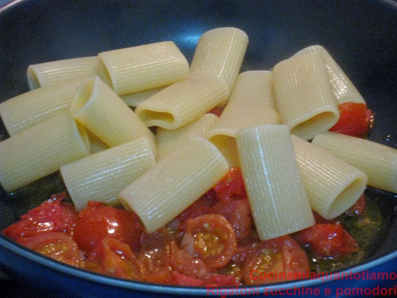 rigatoni zucchine e pomodori