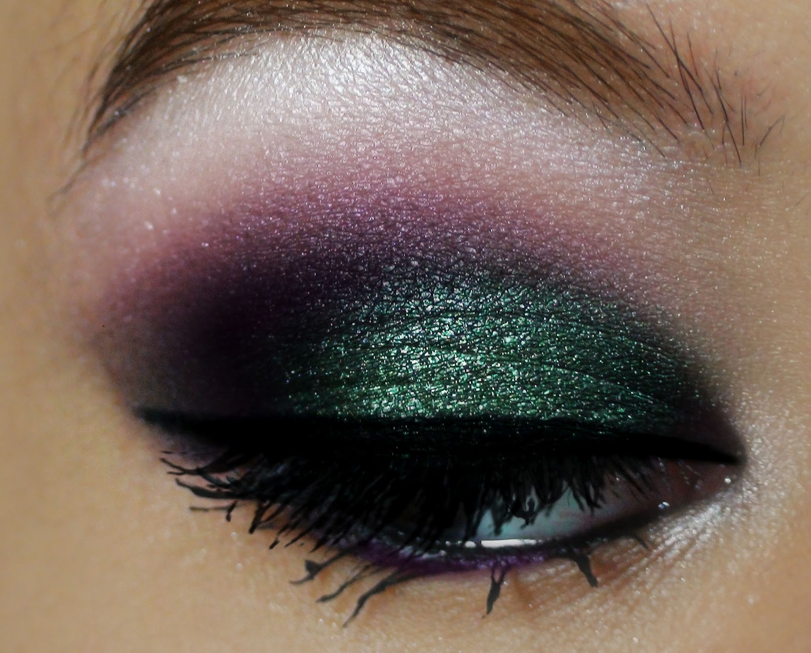 Beautiful You Evening/Party Makeup Green And Purple Gradient Eye Make Up