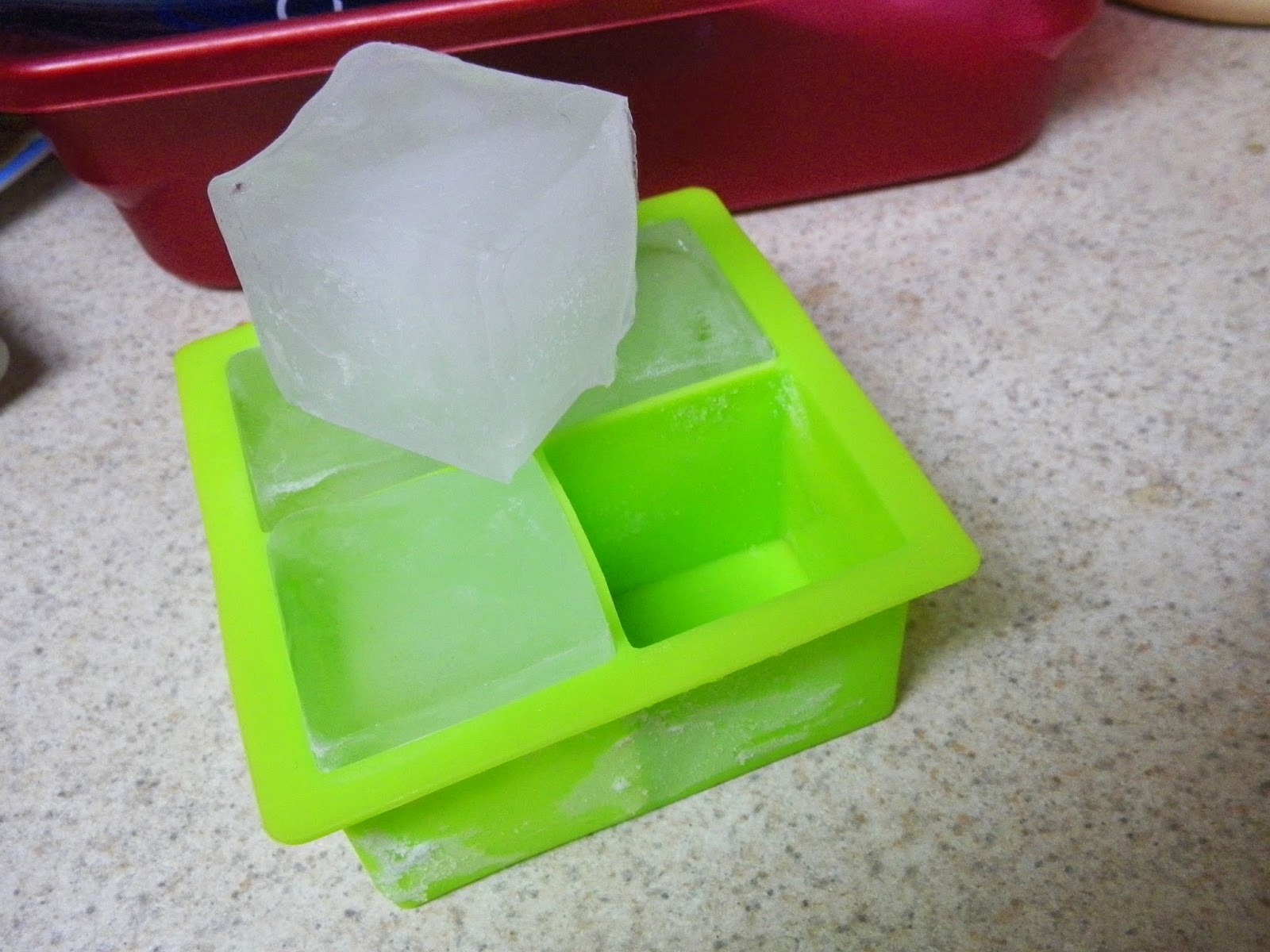 Kuuk_Large_Ice_Cube_Maker.jpg
