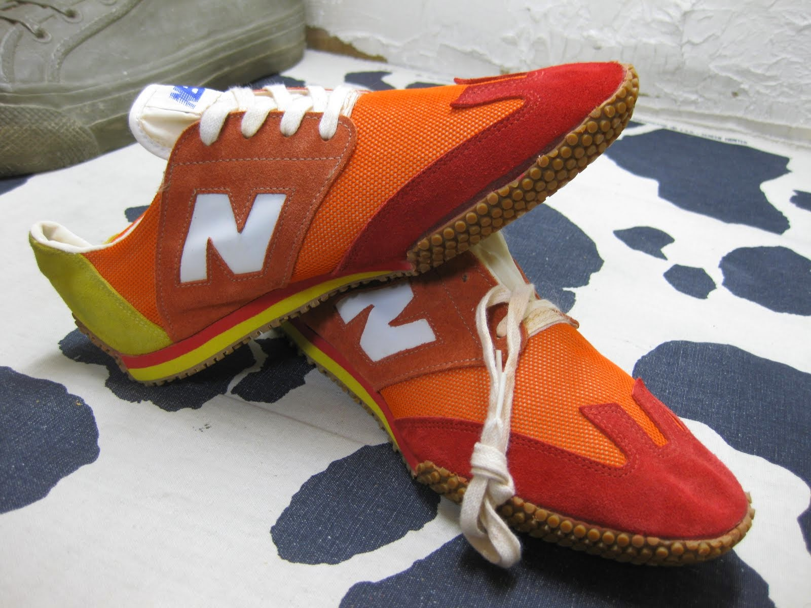 70's DEAD STOCK               NEW BALANCE               SUPER COMP               SIZE:10 1/2 EE