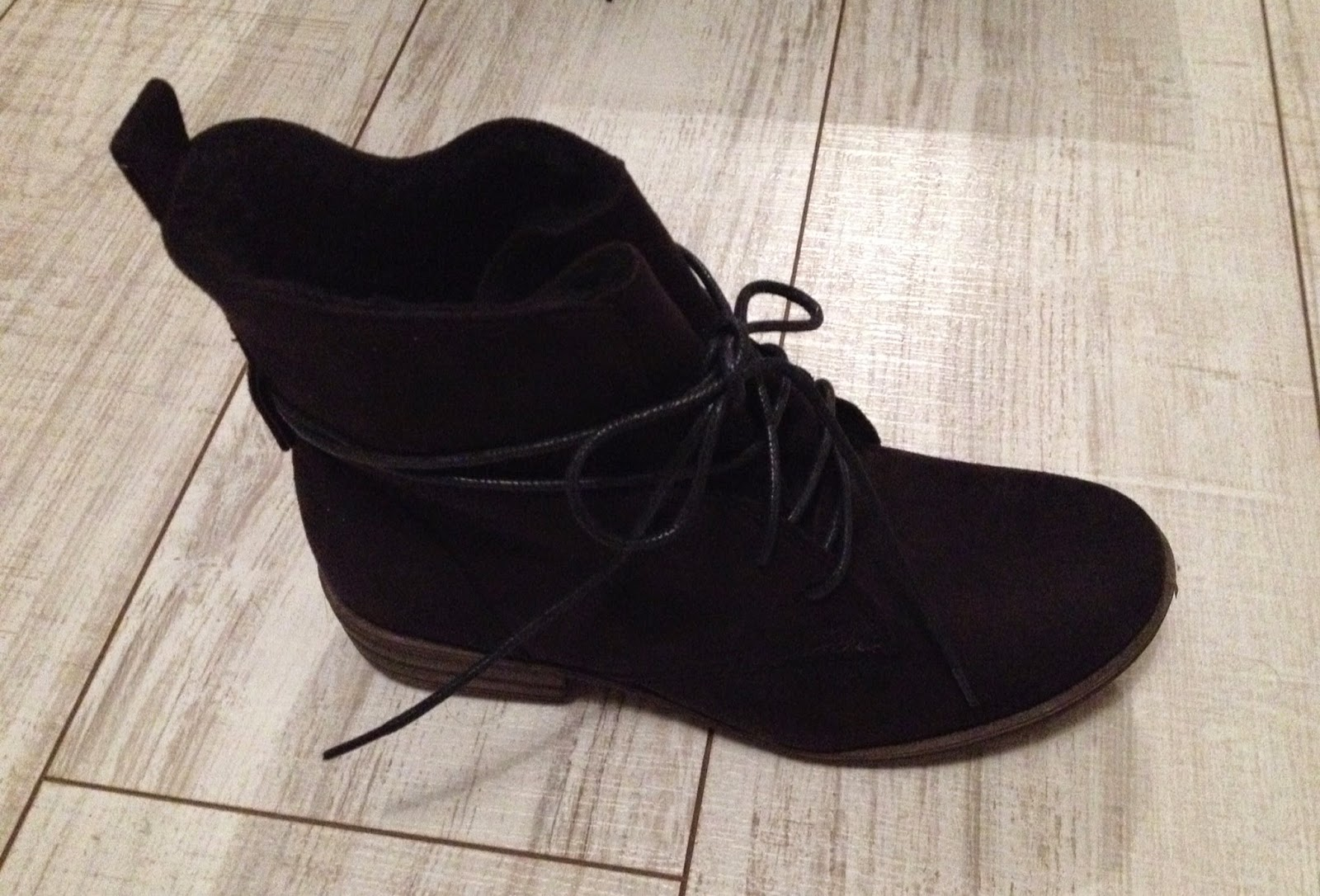 http://www.globeshoppeuse.com/2014/11/mode-shopping-mes-nouvelles-bottines-marypaz.html