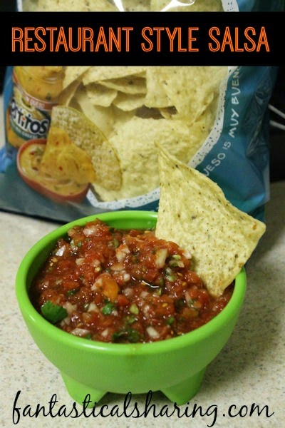 Restaurant Style Salsa | A fantastic quick-fix salsa that is the perfect appetizer for any get together! #recipe
