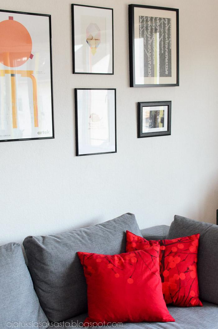 adea sohva, punainen lumimarja tyyny