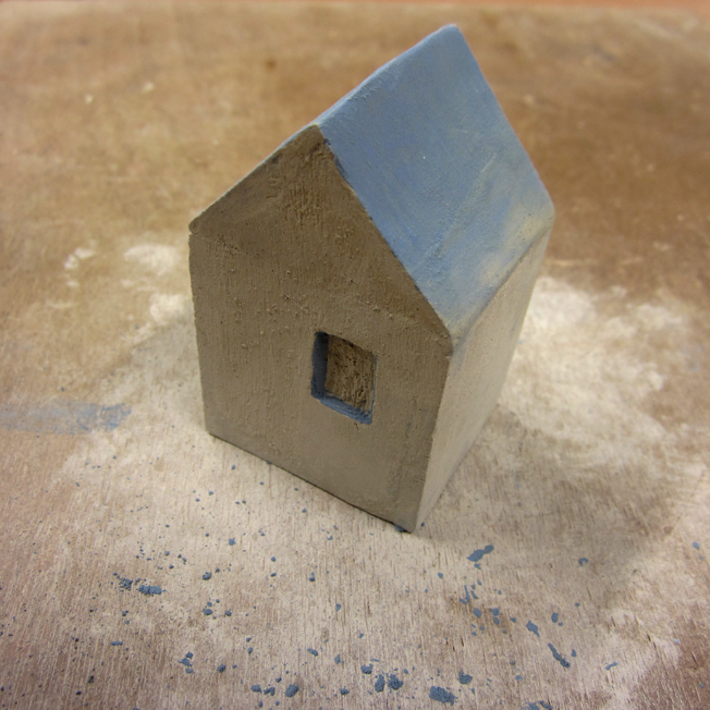 petite maison en céramique avec couleur - http://spicerabbits.blogspot.fr/