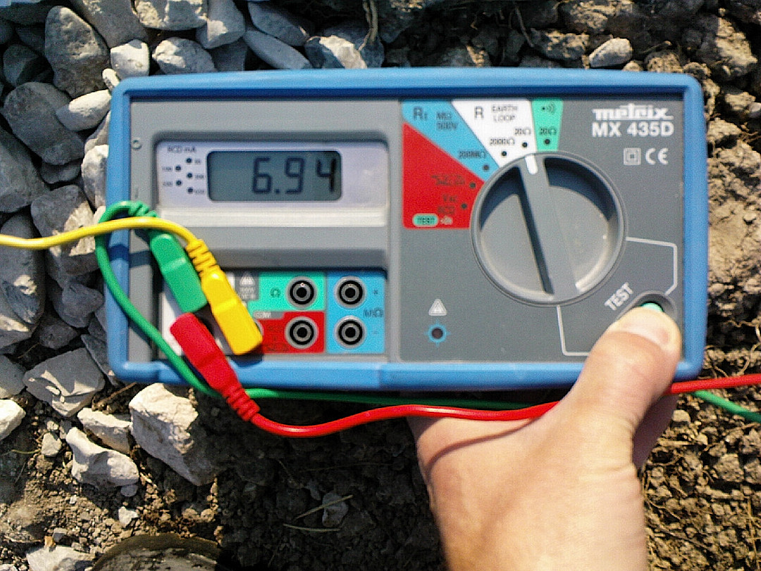 Paille en diois mesure de la prise de terre for Mesure de la prise de terre