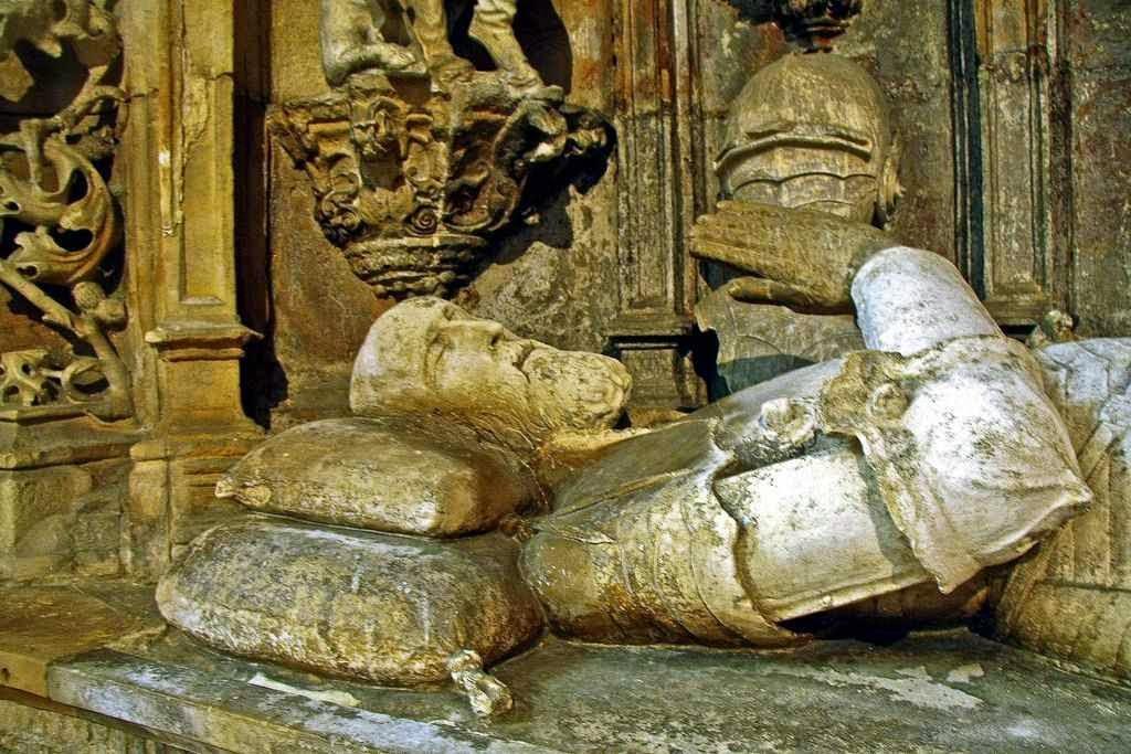 Dom Afonso Henriques, túmulo na Igreja de Santa Cruz, Coimbra, Portugal