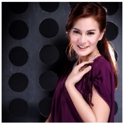 Astrid Tiar Artis Indonesia cantik