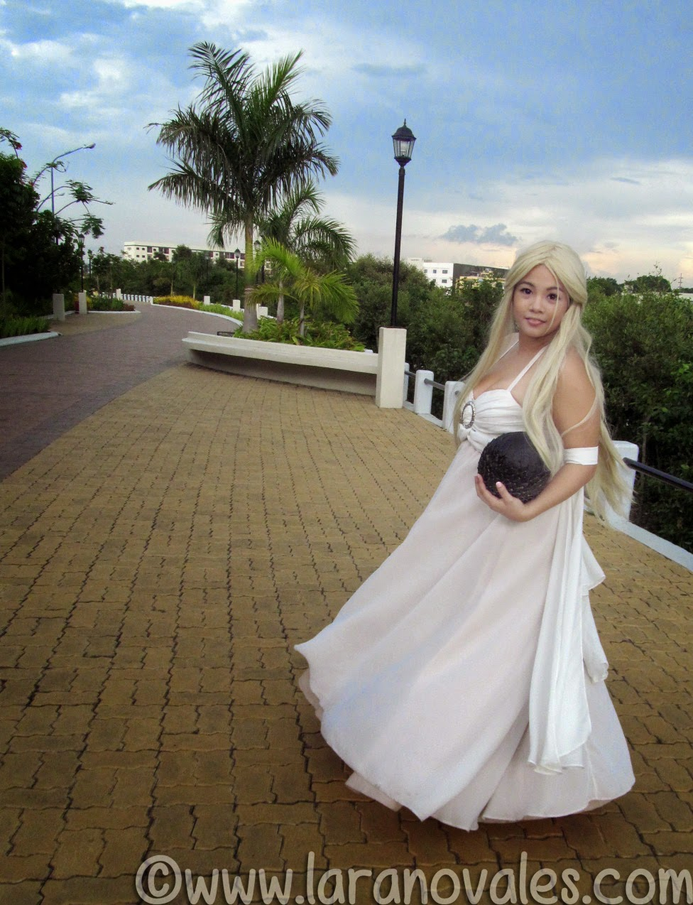 Lara Novales as Daenerys Targaryen Cosplay at ICCON 2014