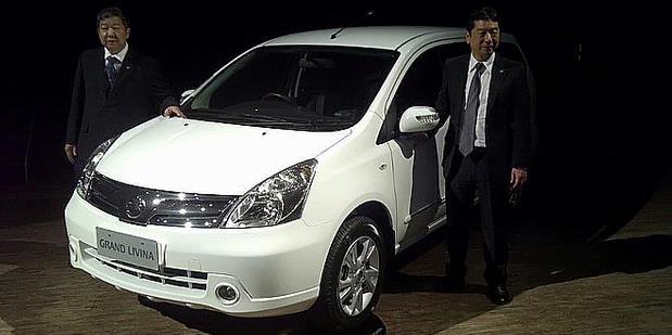Grand Livina Facelift Mobil Terbaru Nissan 2011 Daftar Harga Mobil ...