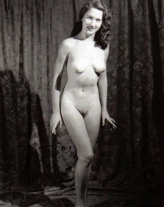 1940 s nude girls well