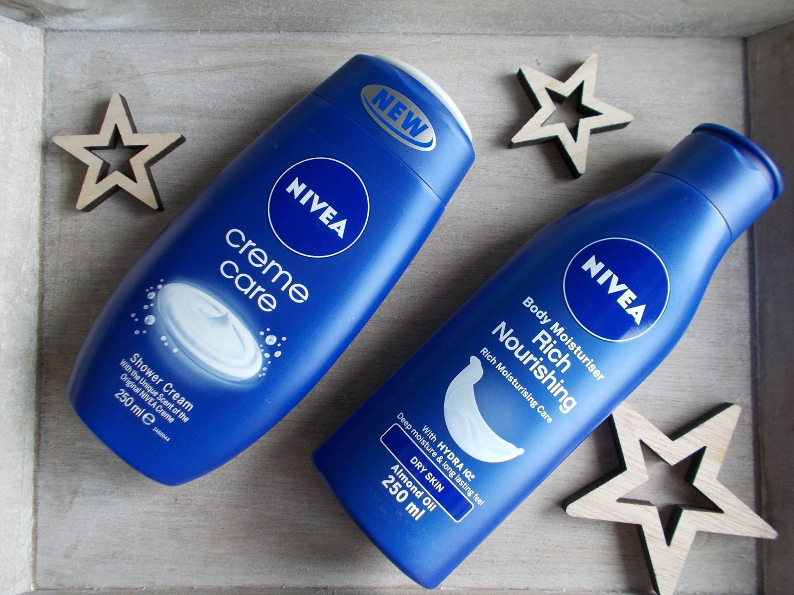 NIVEA rich nourishing body moisturiser creme care shower cream