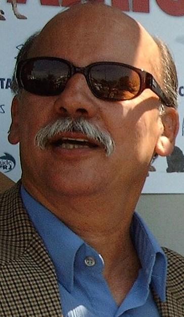 Dr. Carlos Larcher